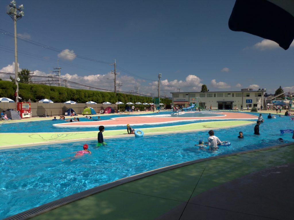 流れるプールの雰囲気
