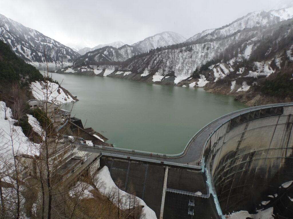 黒部ダムの展望台から撮った写真